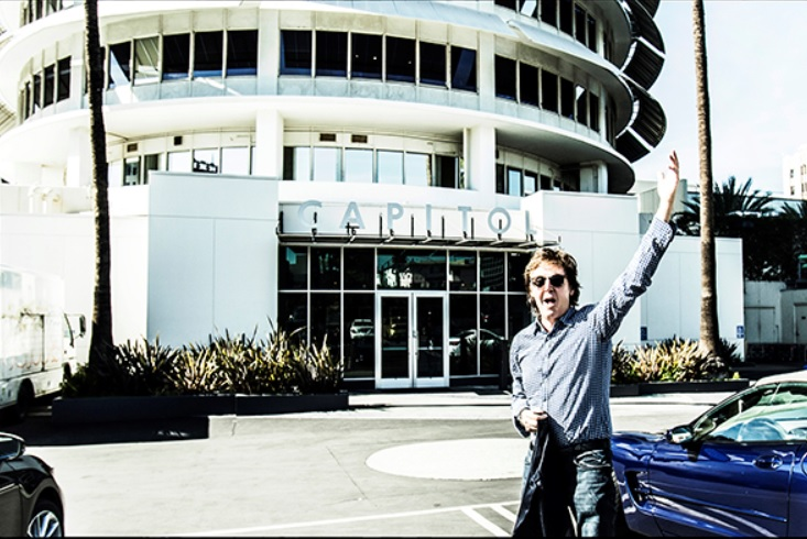 Paul McCartney går till Capitol Records